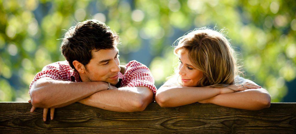 در دروران نامزدی با خانواده همسر چگونه باشیم